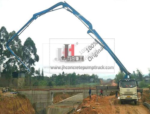 38m concrete pump truck in jobsite